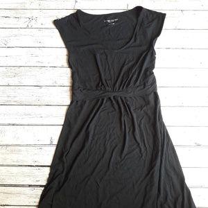 NWT LIZ LANGE MATERNITY Short Sleeve Black Dress S